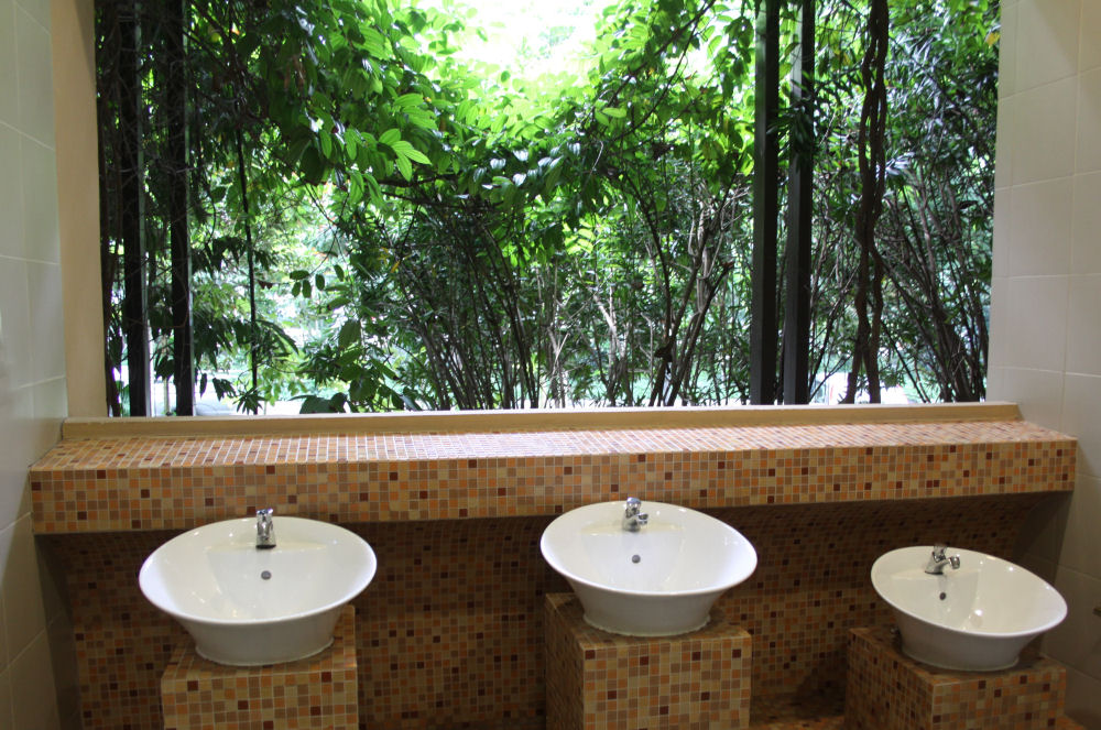 Singapore Botanical Gardens, beautiful restroom  - no windows, open to breeze and trees